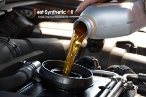 How to Pick the Right Synthetic Motor Oil for Your Car
